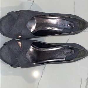Gray cloth heels